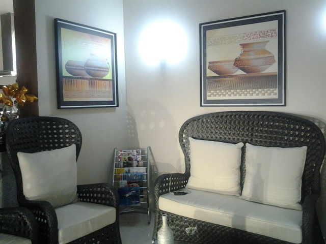 Ambiente decorado com as obras de Ronaldo Picanço