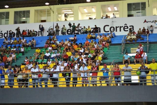 Segundo a FAF, 113 espectadores entraram como deputados e veredores