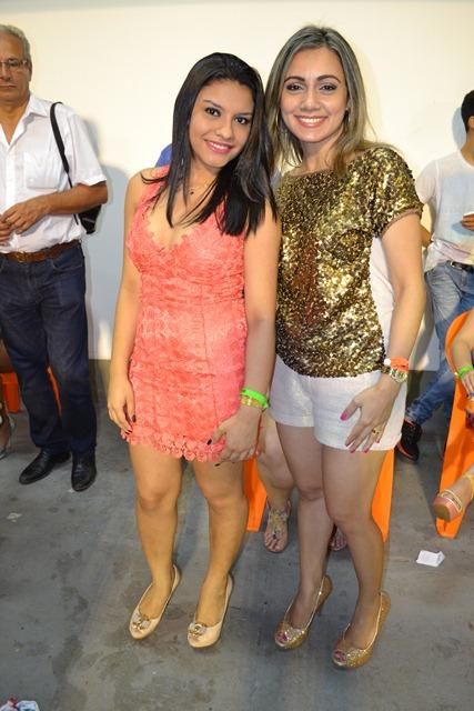 A amizade surgiu no carnaval há cinco anos, desde então Adna Veiga e Andrea Lacerda comparecem todos os anos a Ivaldo Veras para curtir a folia.