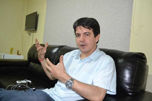 """Randolfe Rodrigues (PSOL-AP): """"Não podemos perder essa chance"""""""