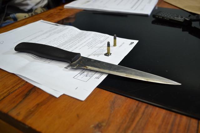 Arma branca que o acusado carregava na hora da prisão