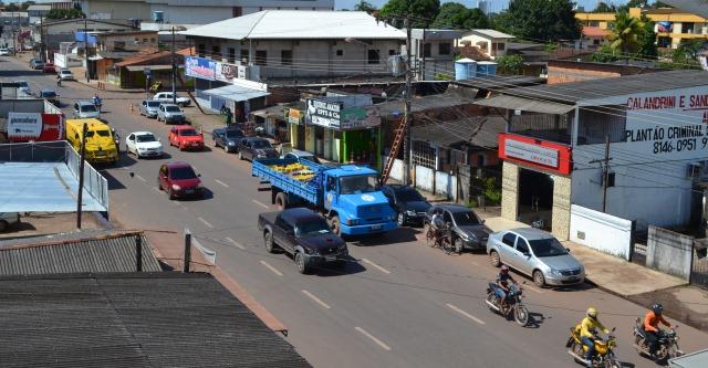 As estreitas ruas de Macapá começam a sentir os efeitos do crescimento da frota