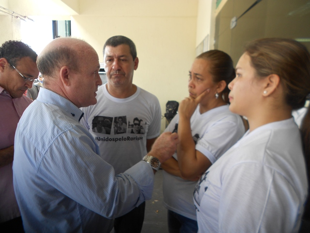 Parentes e amigos conversaram sobre o caso com o deputado Bala Rocha (Solidariedade)