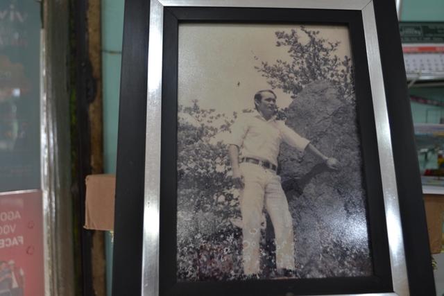 Porta-retrato com foto dos tempos de garçom na Icomi