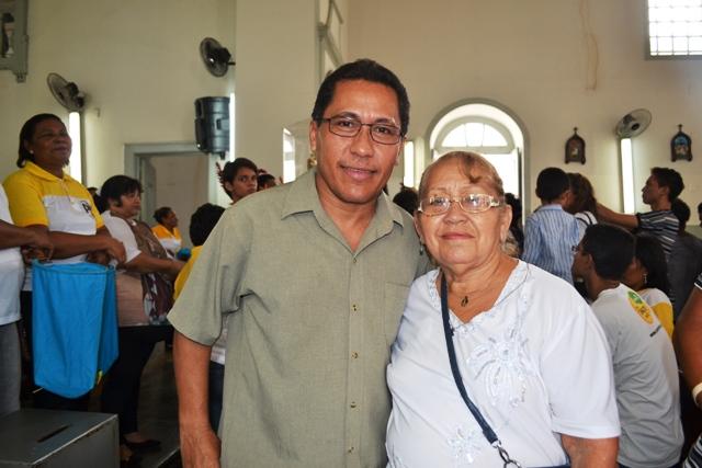 O militar José que mora em Minas veio passar o aniversário com a mãe, devota do padroeiro