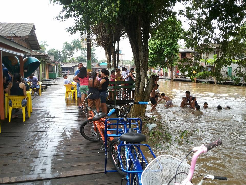 Moradores estão acostumados com as enchentes