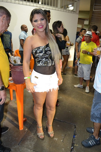 A empresária Rosana Queiroz, mostra beleza não tem idade. A quarentona exibe belas curvas e muita simpatia.