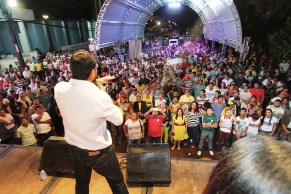 Camilo Capiberibe em discurso durante inauguração do novo sistema de água de Santana
