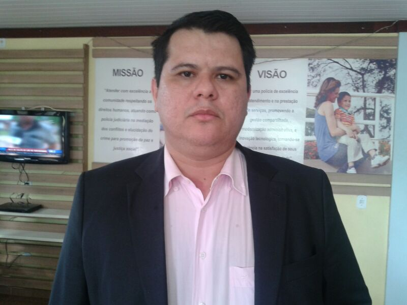 Advogado José Milton proibiu a imprensa de fazer imagens do agente preso