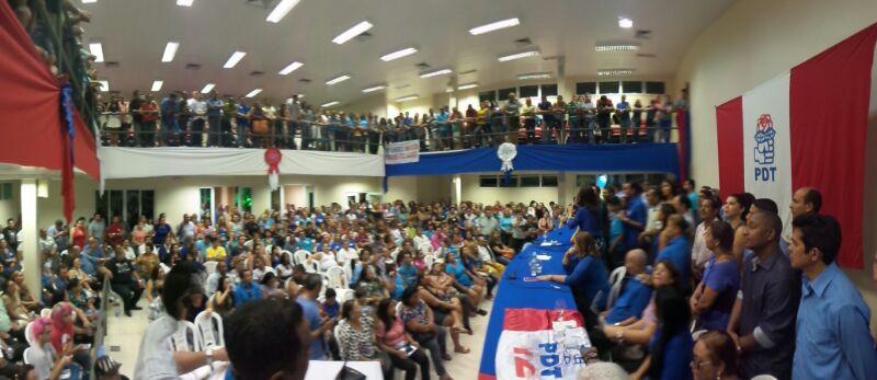 Câmara de Vereadores de Santana lotada para o lançamento da pré-candidatura de Waldez. Foto: Ascom/PDT