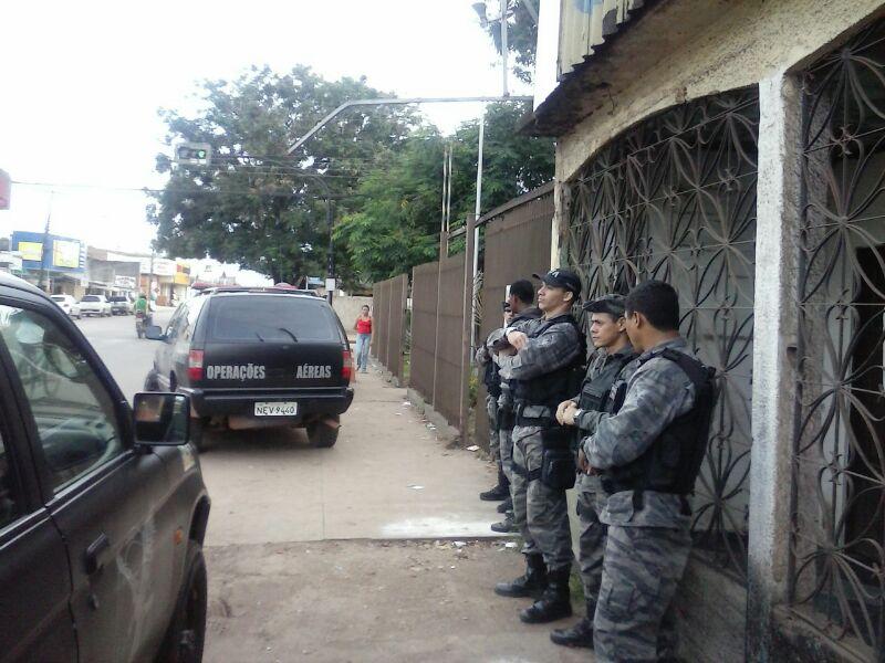 Policiais do Bope em casa no Jardim Marco Zero