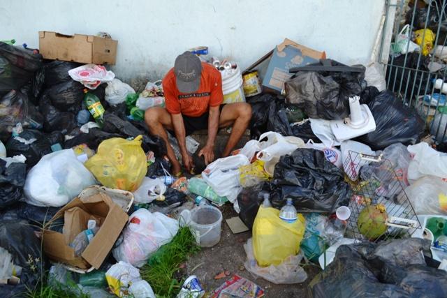 Raimundo garante que todo o lixo é para reciclagem
