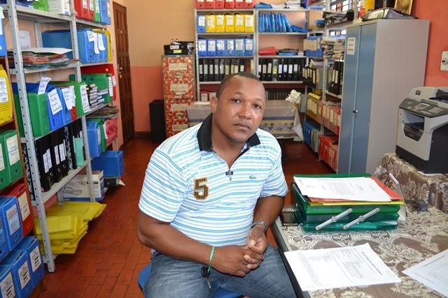 Dir. adjunto Felipe Josaphat diz que a escola está na lista de colégios a serem reformados
