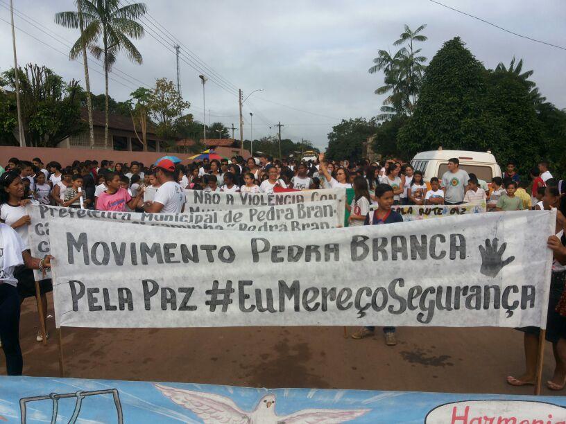 Movimento foi organizado por estudantes, professores, lideranças sindicais e Secretaria Municipal de Juventude