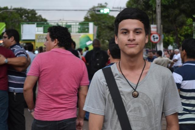 """Estudante Rafael Serra: """"mudança na forma de gastar dinheiro público"""""""