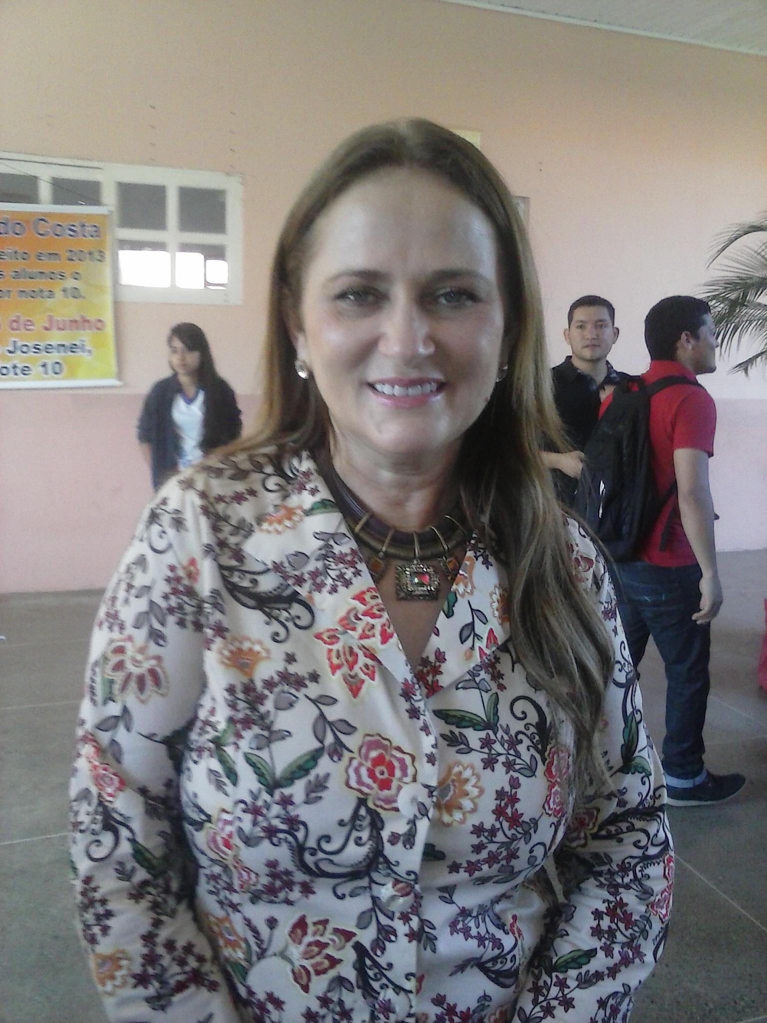 Secretária de Educação do Estado, Elda Araújo