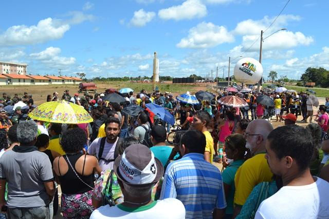 Entidades civis foram até o Macapaba apenas para  vaiar autoridades