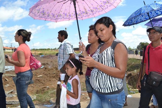 Marilene Rosa Silva: preparada com água, sombrinha e paciência