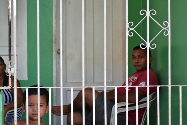 Morador Marlindo do Carmo também é vizinho ao Ciosp, mas vive atrás das grades: