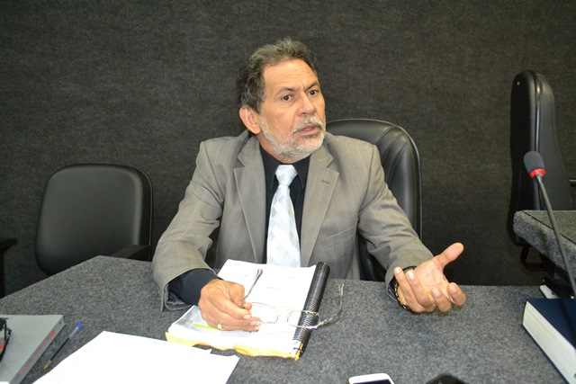 Promotor Eli Pinheiro