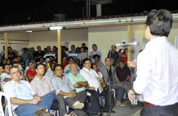 Randolfe com dirigentes do PSOL e apoiadores: prestação de contas