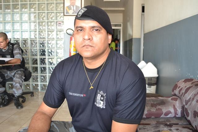 Tenente do Bope Ewerton Dias: dinheiro está com os foragidos