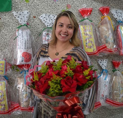 Thais Távora, gerente de floricultura
