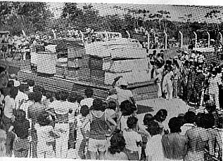 Chegada dos caixões: 378 vítimas. Foto: Blog Porta Retrato
