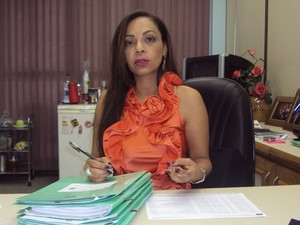 Juíza Elayne Cantuária: prisão  e inscrição no SPC