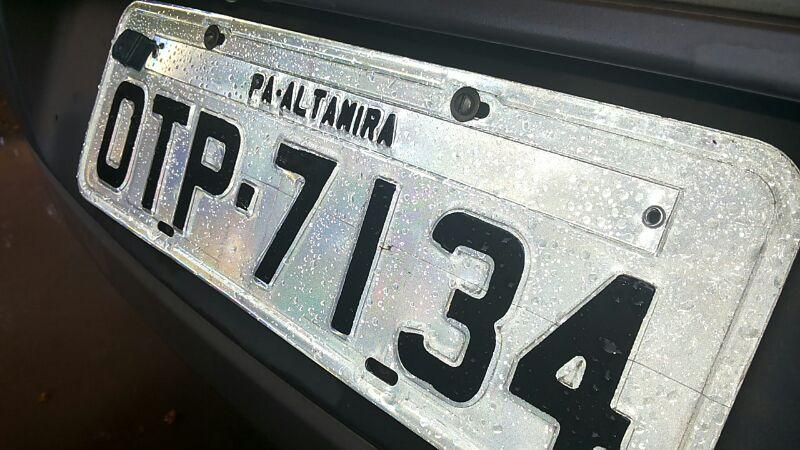 Um dos carros já estava com placa falsa para rodar em Altamira
