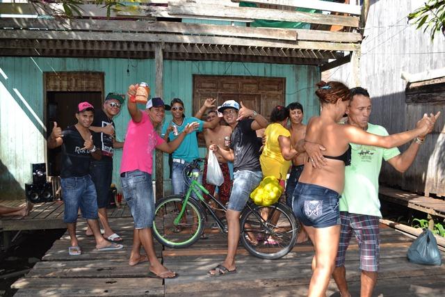 No Festival do Camarão, ninguém se entrega ao cansaço