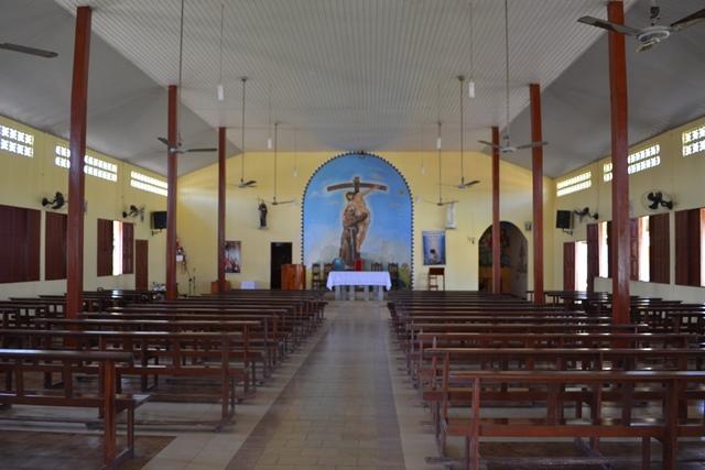 Interior da Igreja São Francisco de Assis, onde o arrastão aconteceu