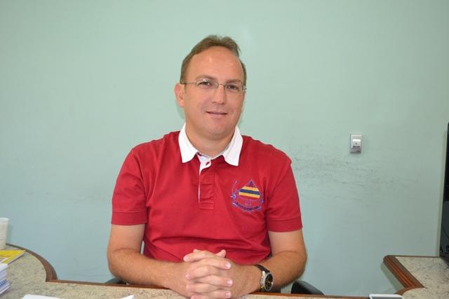 Jose Oliveira - secretário de desenvolvimento econômico