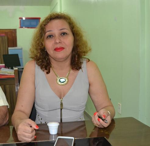 Marta Barriga: multa para quem obstruir a calçada