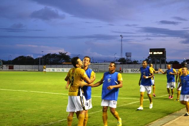 Santos estreia no Brasileirão neste domingo no Zerão