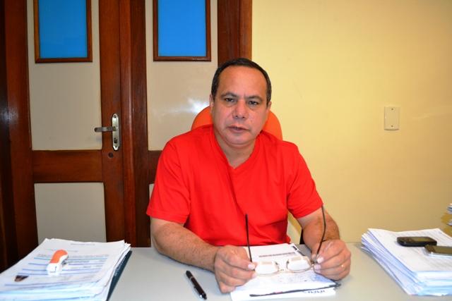 Diretor do HE, Regiclaudo Silva