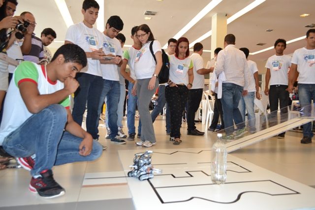 Alunos de Laranjal do Jari vão a SP disputar Olimpíada de Robótica