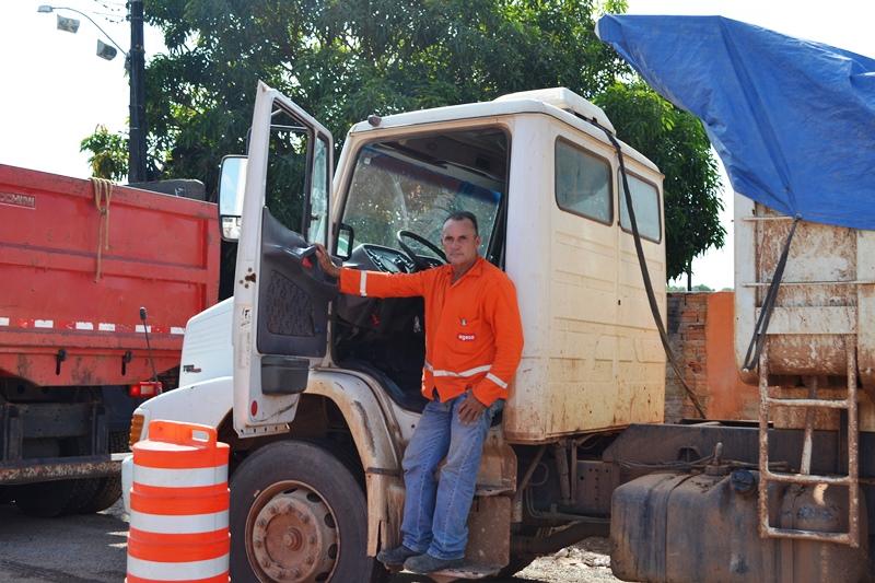 Após mais de cinco de espera motoristas Alderi Santos ainda aguardava para atravessar o Rio Matapi