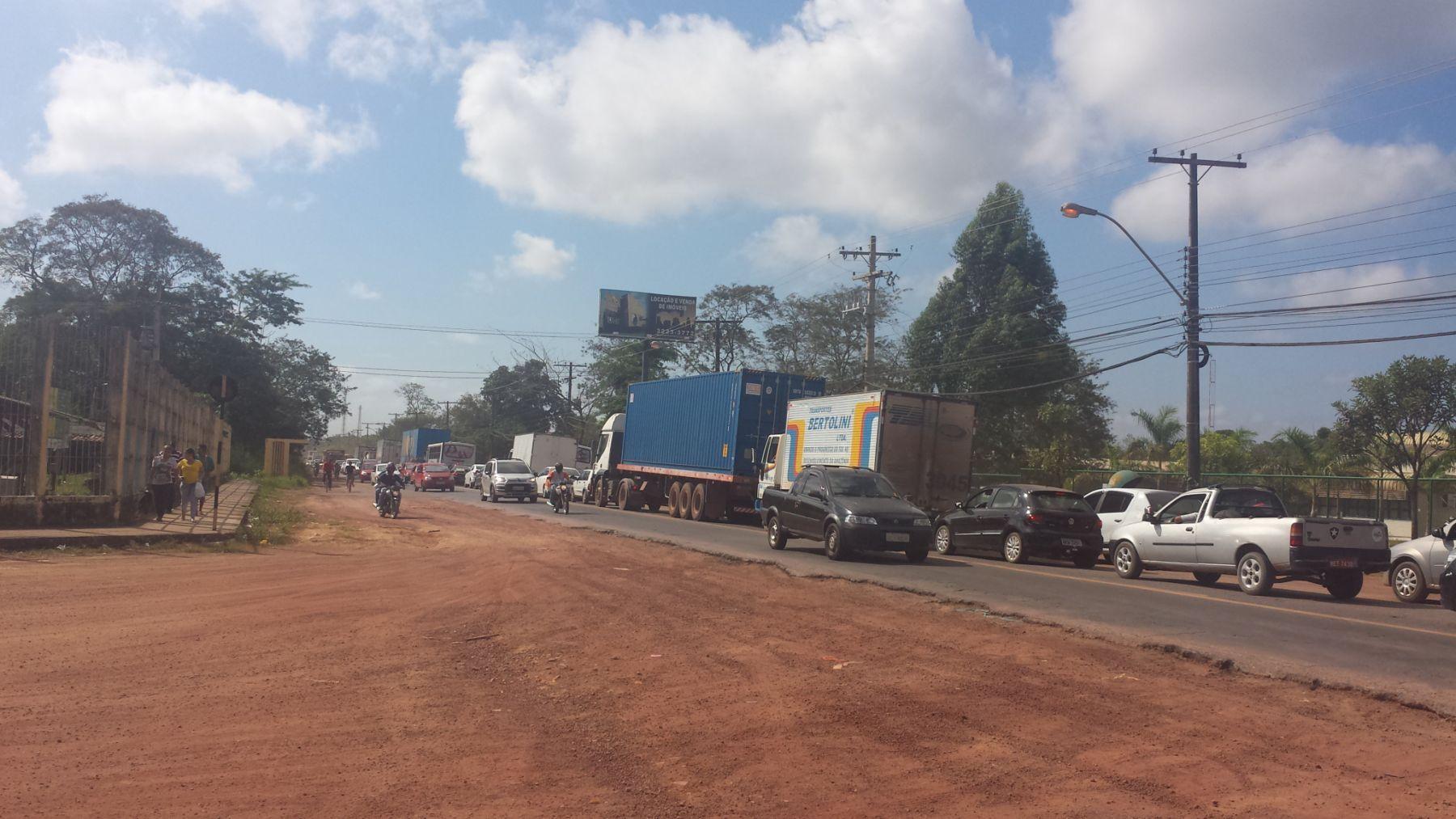 Congestionamentos são comuns na saída e volta do trabalho. Foto: Arquivo