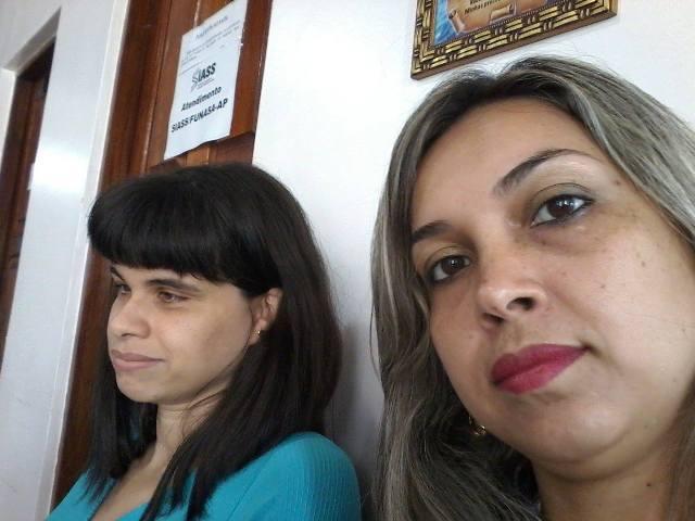 Kérsia e a irmã aguardando resposta da junta médica: história com final feliz