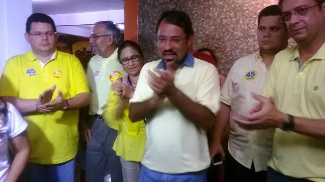 """""""Agora sou militante"""", disse Camilo Capiberibe após o resultado das eleições"""