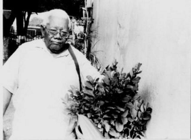 Sacaca nunca frequentou faculdade, mas escreveu livros sobre plantas medicinais