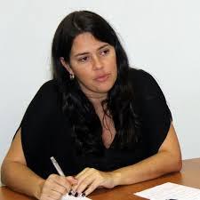 Justiça decide que deputados poderão convocar primeira-dama
