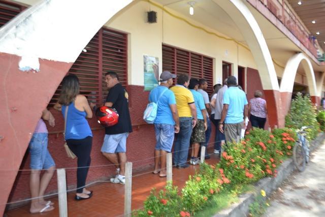 Filas de eleitores no dia 26 d eoutubro , segundo turno