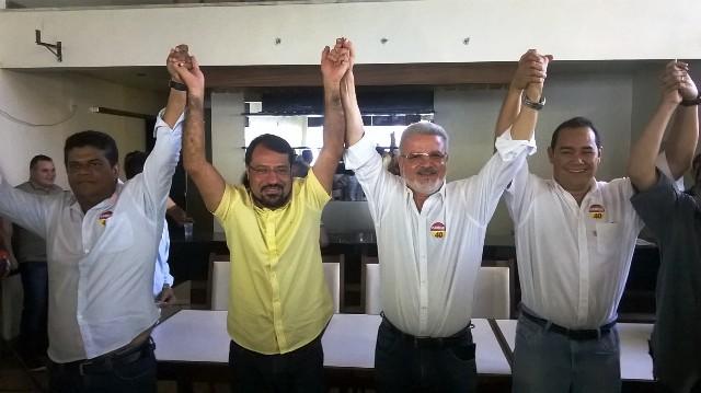 """""""Estávamos em lados opostos, mas com as mesmas ideias"""", diz promotor Moisés ao lado Camilo"""