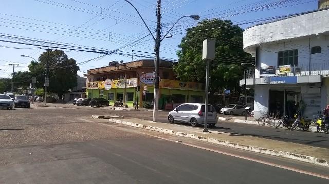 Avenida Feliciano Coelho com a Rua Leopoldo Machado