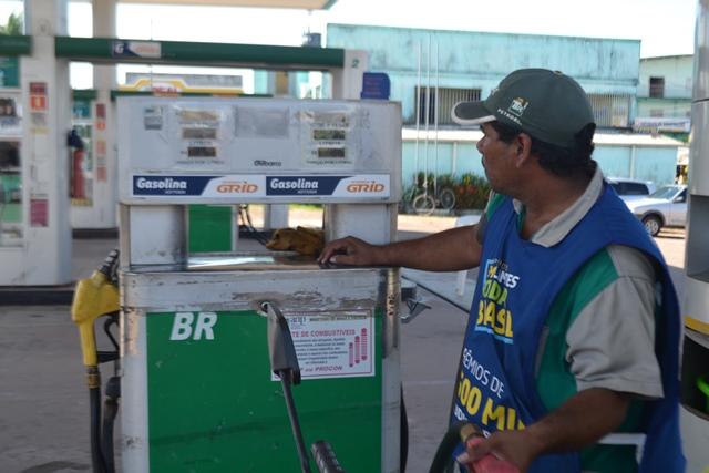 Gasolina ultrapassou a barreira dos R$ 3,00