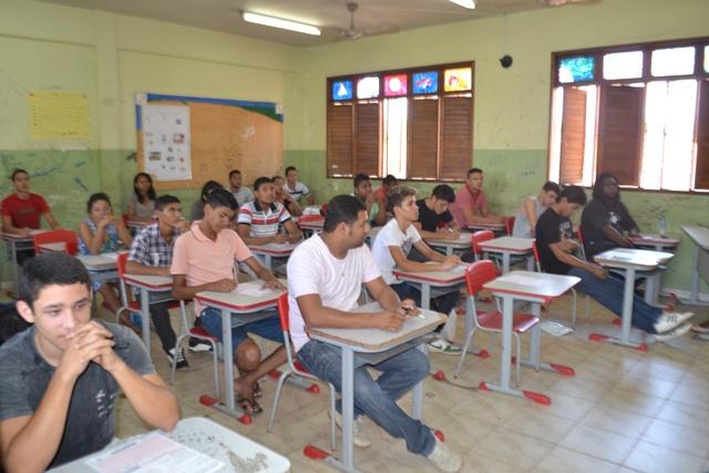 Candidatos na expectativa para o início da prova
