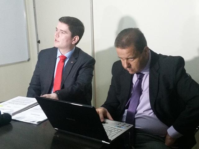 Presidente da Comissão de Defesa das Prerrogativas da OAB, Maurício Pereira (à direita): escutas indevidas