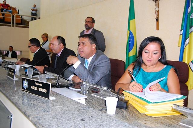 Deputados aprovaram projeto de Moisés Sousa